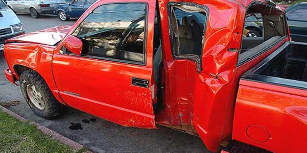 Así quedó el carro que manejaba Darío al momento del accidente